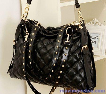 mesela bir kadında siyah küçük bir çanta varsa ben kadından önce ilk ona bakıyorum artık.. evet doktor bey sonraki resim...)))