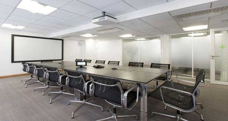 Salle de réunion dans les bureaux de Goodman à Paris, France