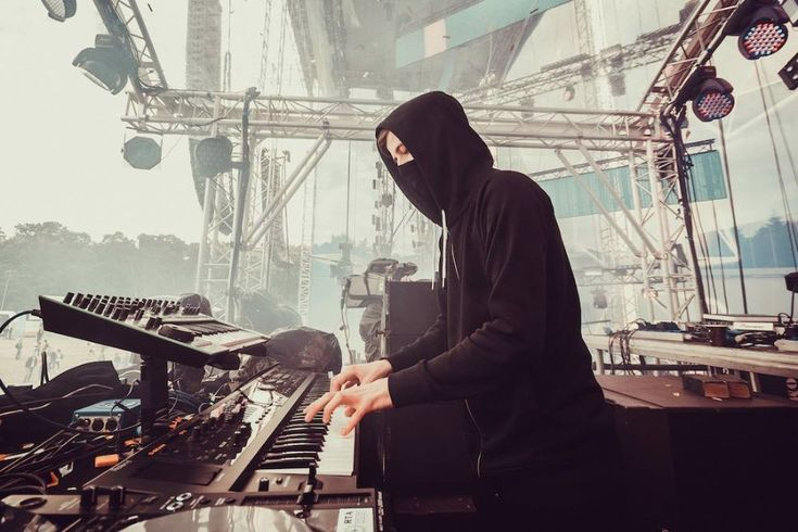 "British-Norwegian record producer Alan Walker performed ""Faded"" and ""Sing Me to…"