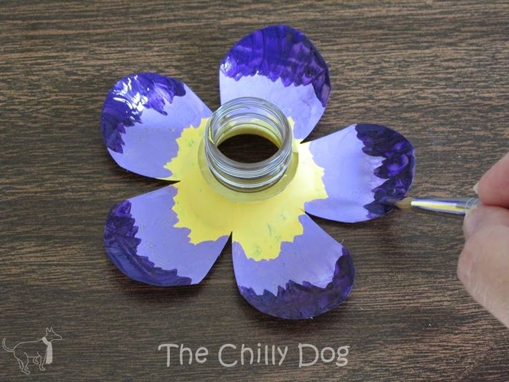 The Chilly Dog: Craft Challenge Tutorial: Plastic Bottle Flowers