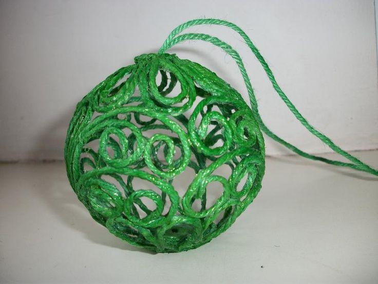 Ёлочный шарик из джута