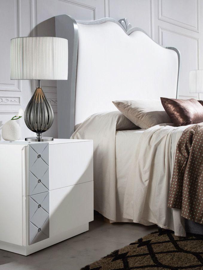 Cabecero clásico orejero y con penacho. Cabezal de cama realizado en madera de pino y disponible 6 tipos de tela a elegir. Disponible en 3 medidas para cama de matrimonio.