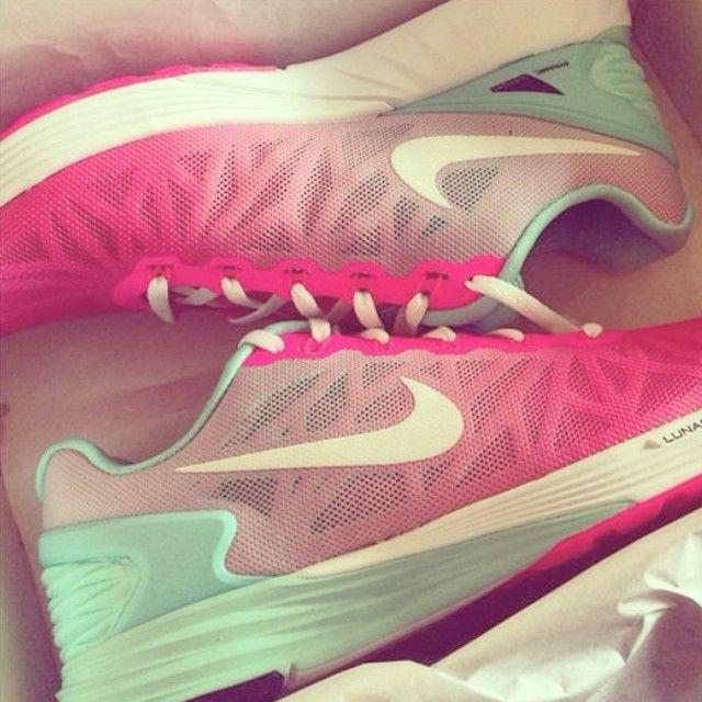 nike shoes pastel