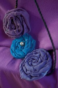 Creative Company | Scrap It: Rolled flower necklace