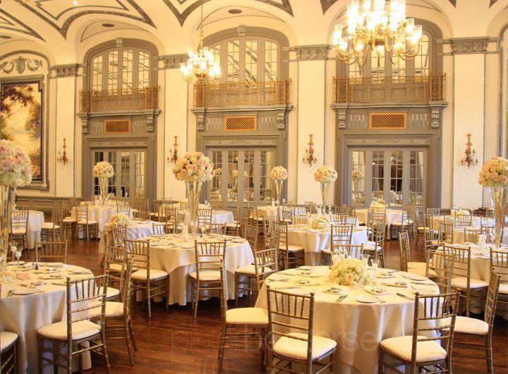 The Tudor Arms | Cleveland, Ohio for a Wedding Reception