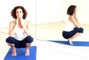 """UTKATASANA O POSTURA DEL EQUILIBRIO SOBRE LOS TALONES http://unrespiro.es/detaille-blog/utkatasana Utkata significa """"peligroso, atrevido"""". Esta asana del hatha yoga exige mantener un gran equilibrio que puede perderse en cualquier momento. Requiere de máxima concentración. Puedes aprender a hacer las asanas del hatha yoga en nuestro curso de yoga on line. Clika en este enlace: http://unrespiro.es/detaille-curso/Valvanera-Berenguer/clases-hatha-yoga-online-en-casa"""