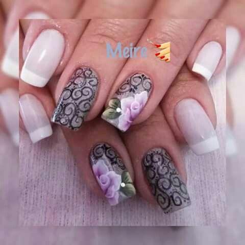 Unha diferente de Meire unhas. Different nail by Meire unhas. Uña diferente por Meire unhas. Unghie different di Meire unhas.