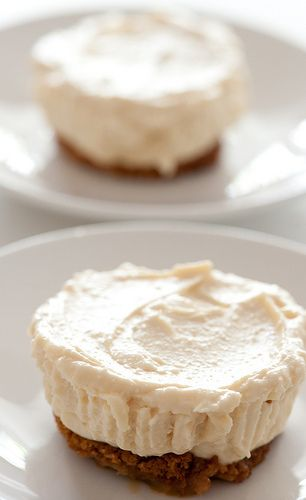 little cheesecakes [5 ingredients | 10 minutes]