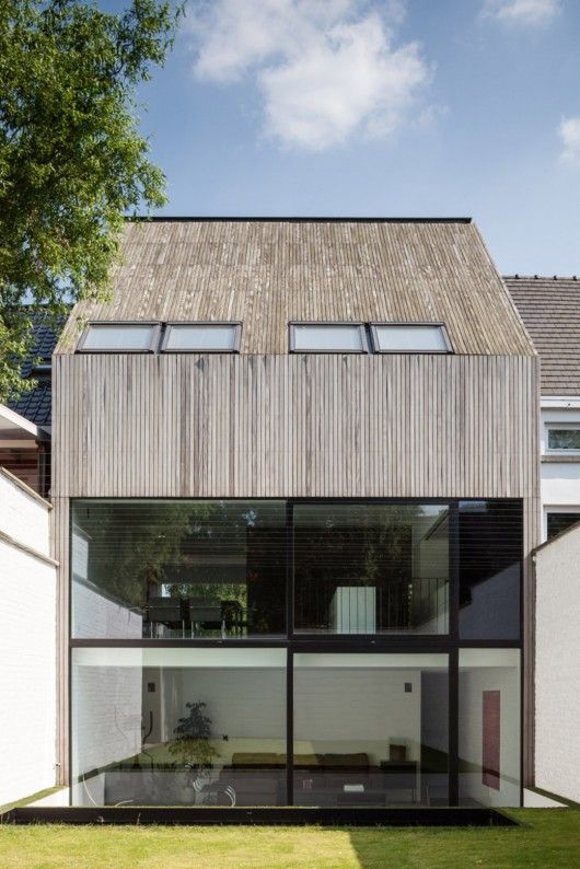 Wooden House CM / Bruno Vanbesien + Christophe Meersman Photo: © Tim Van de Velde