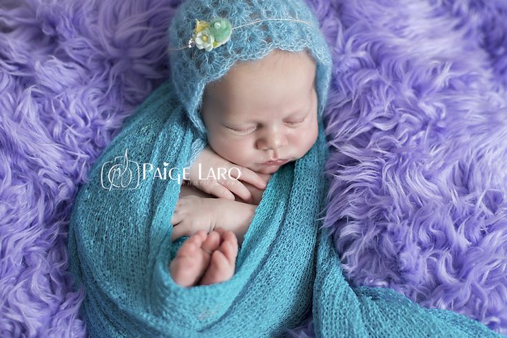 Newborn Baby Girl | Studio Newborn photography |  Newborn Girl Ideas |  Paige Laro Photography