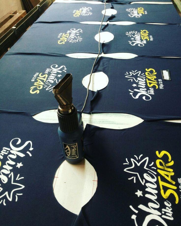 Cek kegiatan kita di https://www.instagram.com/pspsablon/ #sablon #pspsablon #psp_sablon #parashuramascreenprinting #klatenscreenprinting #sablonkaos #sablonindonesia #sablonklaten #silkscreen #screenprinting