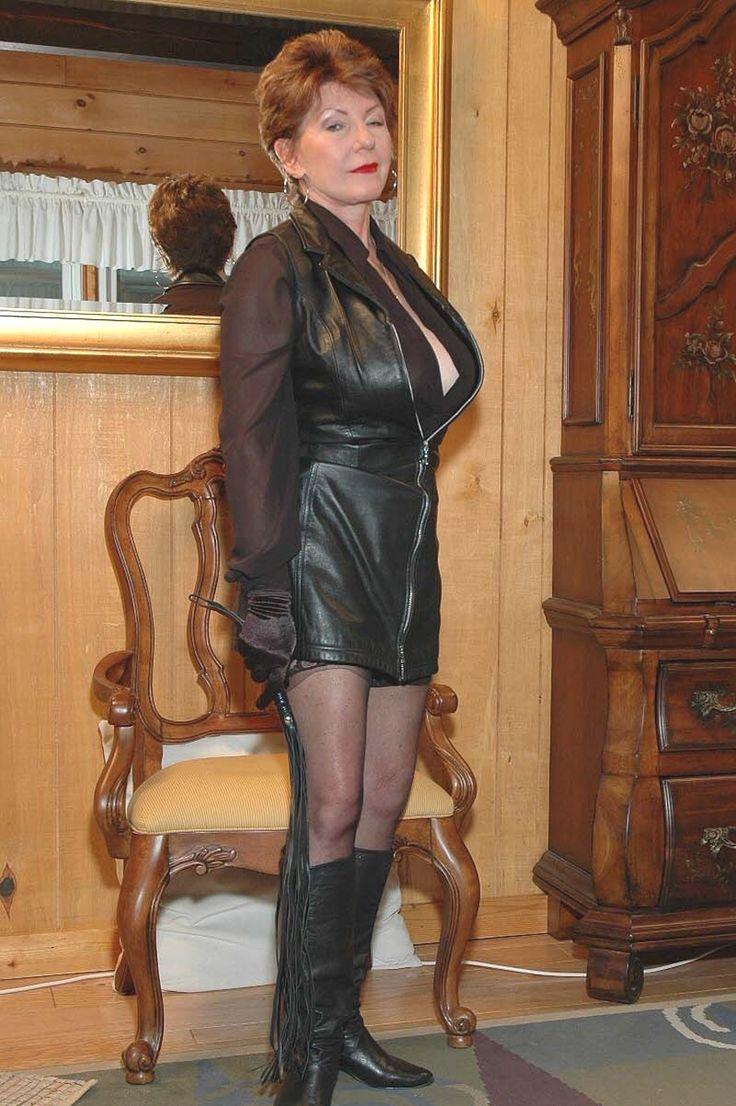 Kinky mature women-8836