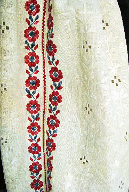 #Ukrainian #embroidery #shirt #Украинская #вышивка #Вышиванка #Українська #вишивка #Вишиванка #Україна #Ukraine #Українці #Ukrainians #Украинцы Джерело: https://www.pinterest.com/ivaam0314/ukrainian-embroidery-ukrainian-culture-and-traditi/