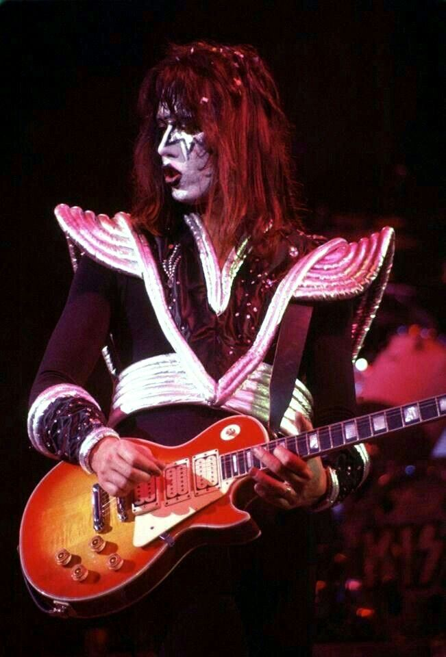 Pin By Lee Thomson On Ace Frehley 1976 1977 Ace Frehley Kiss