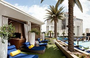 Pools of Vegas (Photo: Courtesy of The Cosmopolitan of Las Vegas)