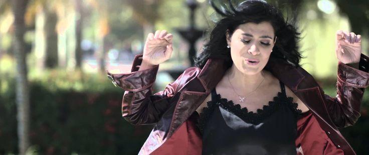 Deus está me construindo - Fernanda Brum (Clipe oficial em HD) - YouTube