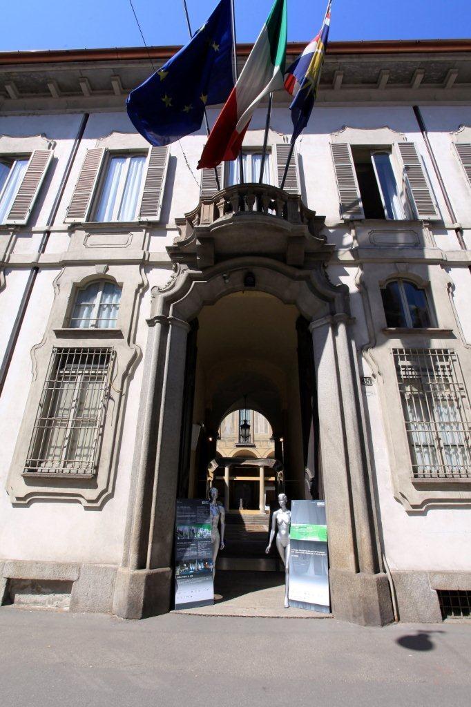 Palazzo Isimbardi (2)