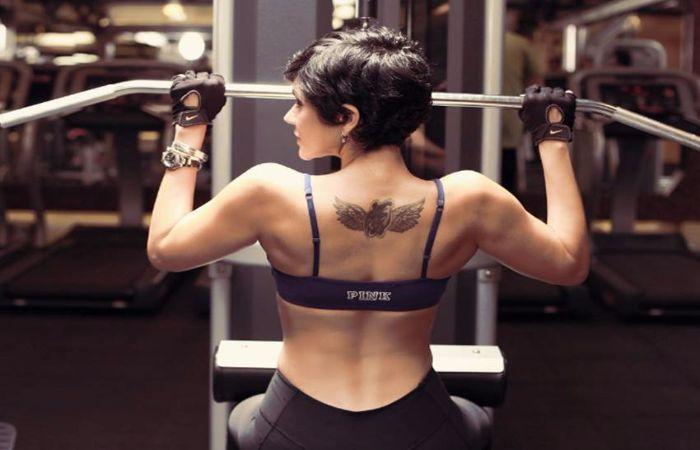 #MandiraBedi Workout!! Latest Pics