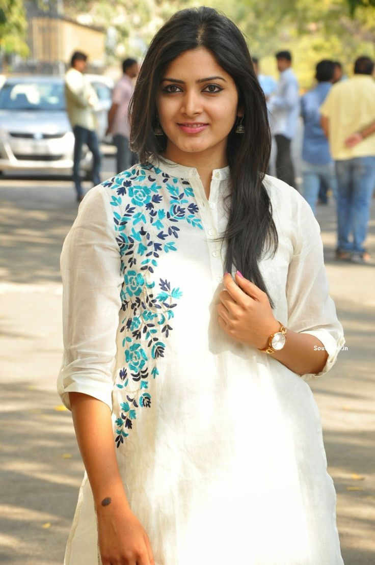 Pavani Gangireddy At Malli Malli Idi Raani Roju Movie Success Meet (28)