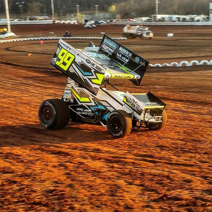 17 best images about sprint cars world of outlaws and us dirt oval racing on pinterest car. Black Bedroom Furniture Sets. Home Design Ideas