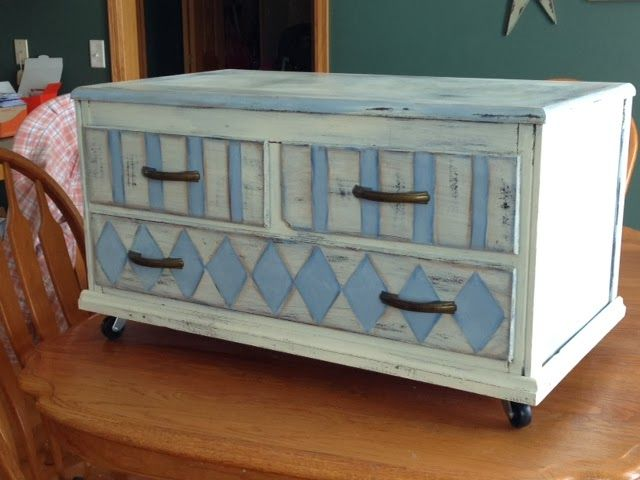 storage bench made from top two drawers of a dresser!