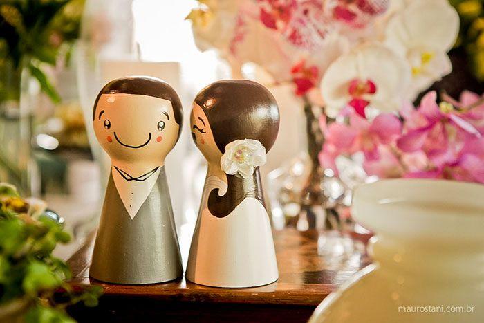 Decoração de casamento por Acervo Sto Antonio. Casamento na praia de Camburi, SP. #casamento #casamentonapraia #wedding #cerimonia #acervostoantonio #festadecasamento #noivinhos #bolodecasamento #noiva