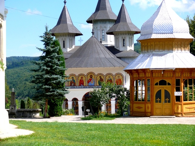 Sihastria Monastery www.haisitu.ro  #haisitu #travel #discovertheworld