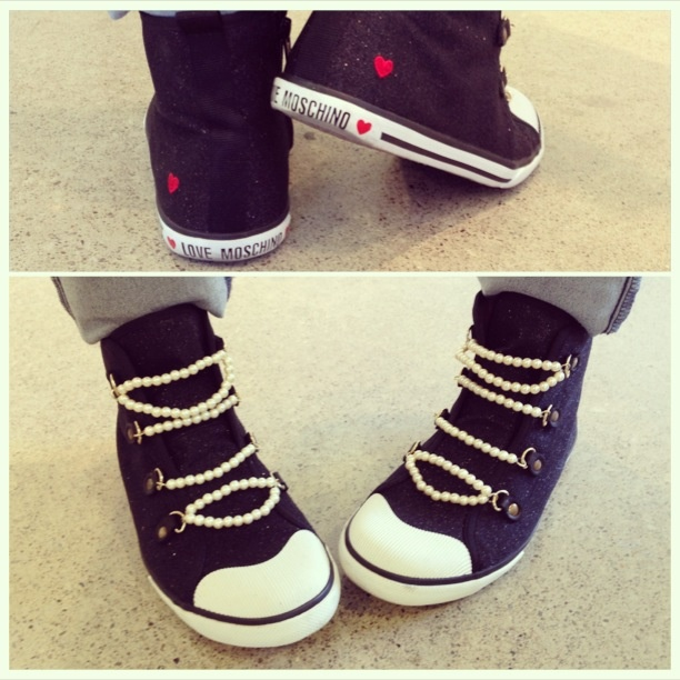 Spotted by #edelstyle: Sweet, sweet kicks with pearl laces on @lynn_bee by @moschinoofficial!