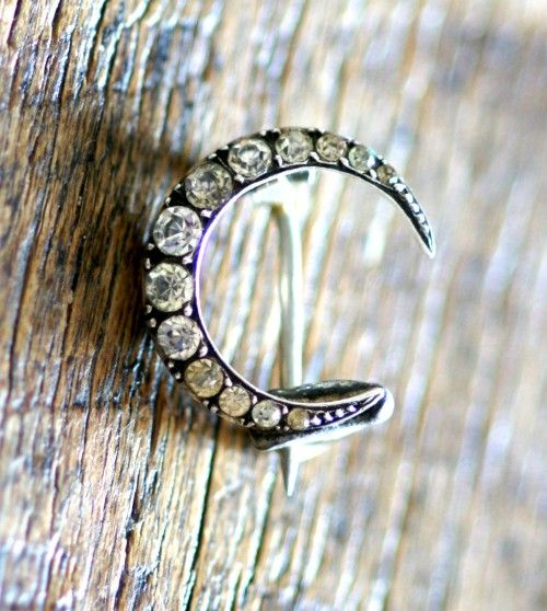 Antique 1920's Silver & Diamante Crescent Moon Brooch-I have one just like this!