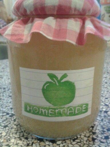 Etiket appelstempel op de zelfgemaakte appelmoes!