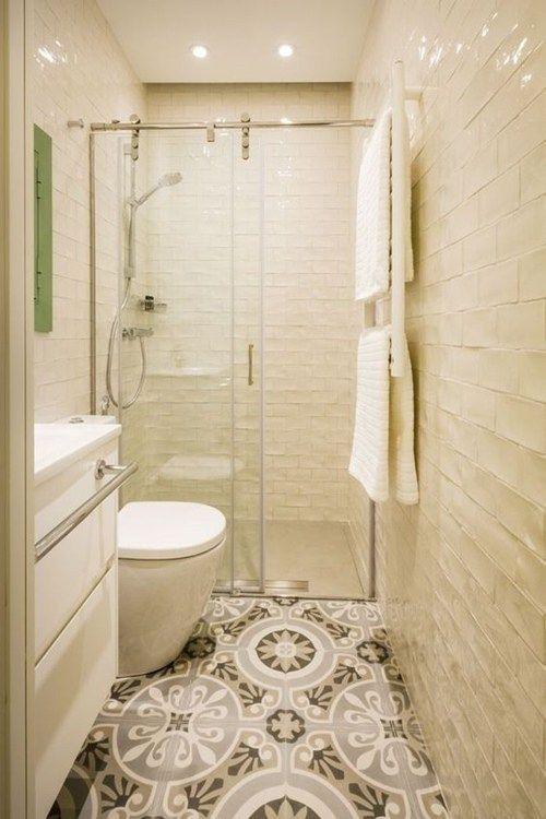 Oltre 25 fantastiche idee su lungo bagno stretto su - Bagno in un metro quadro ...