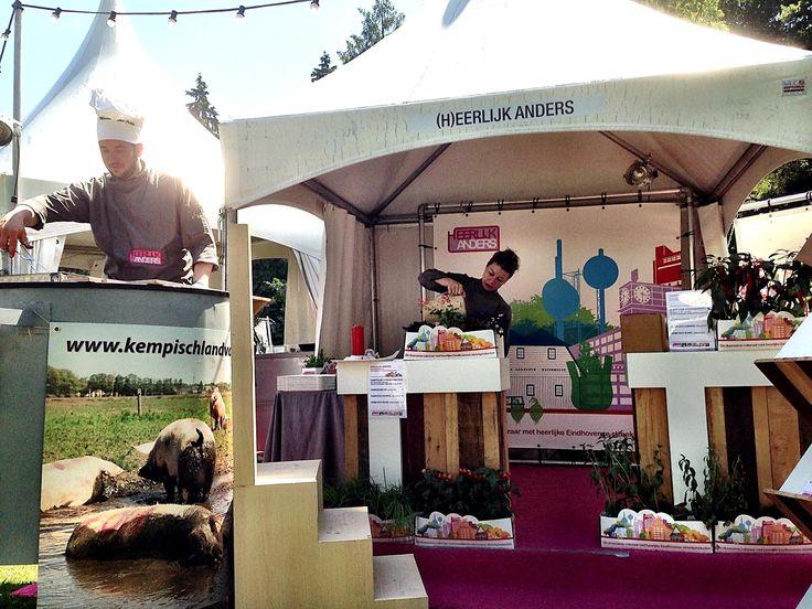 Juni 2014: Eindhoven Culinair met foodcourt-plein. Onze specialiteit: Gebarbecued Kempisch Landvarken, Brabantse Eko-haan en bio-stier met de altijd gewaardeerde Kempische kruiden-broodfrietjes.