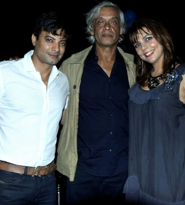 Rahul Bhat kept surprise birthday party for Sudhir Mishra at his house