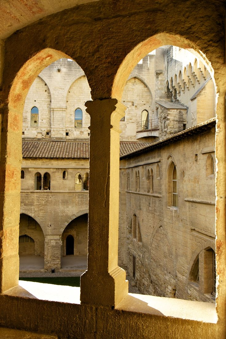lacloserie:  Palais des Papes - Avignon - France. http://www.fasthotel.com/provence-alpes-cote-azur/hotel-avignon-le-pontet