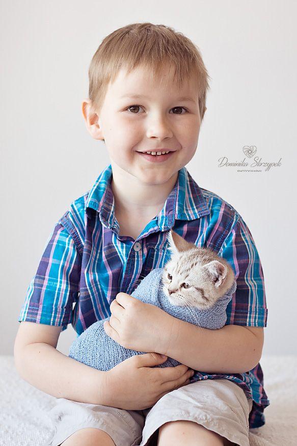Siblings photo ideas :) Newborn photography, newborn kitten. Funny cat :)