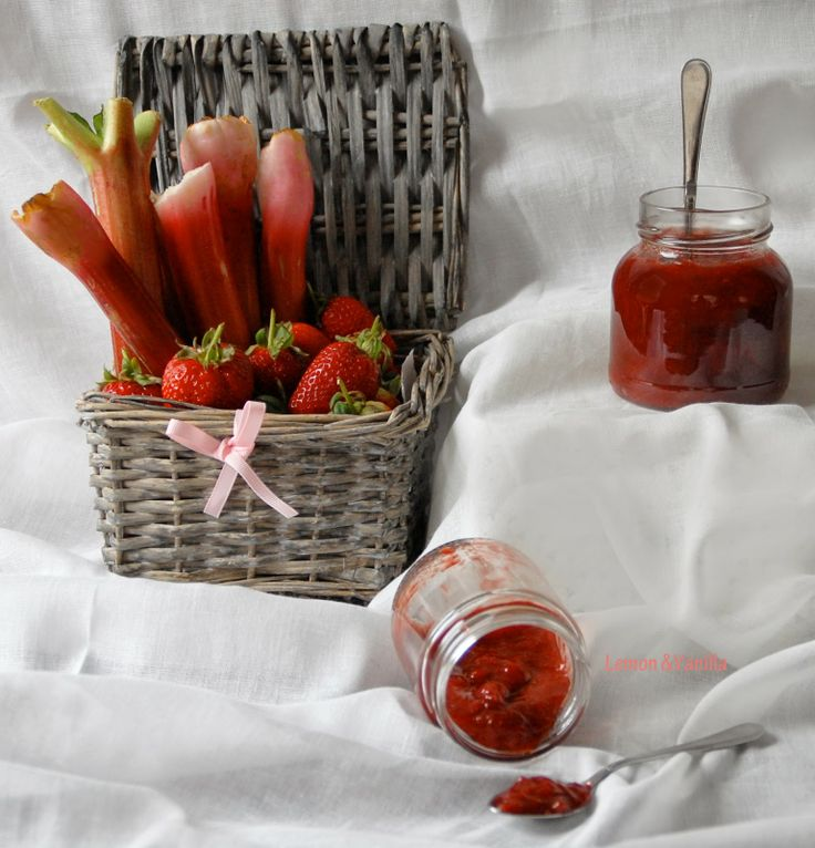 Lemon & Vanilla: Strawberry and rhubarb quick jam / Doce rápido de ...