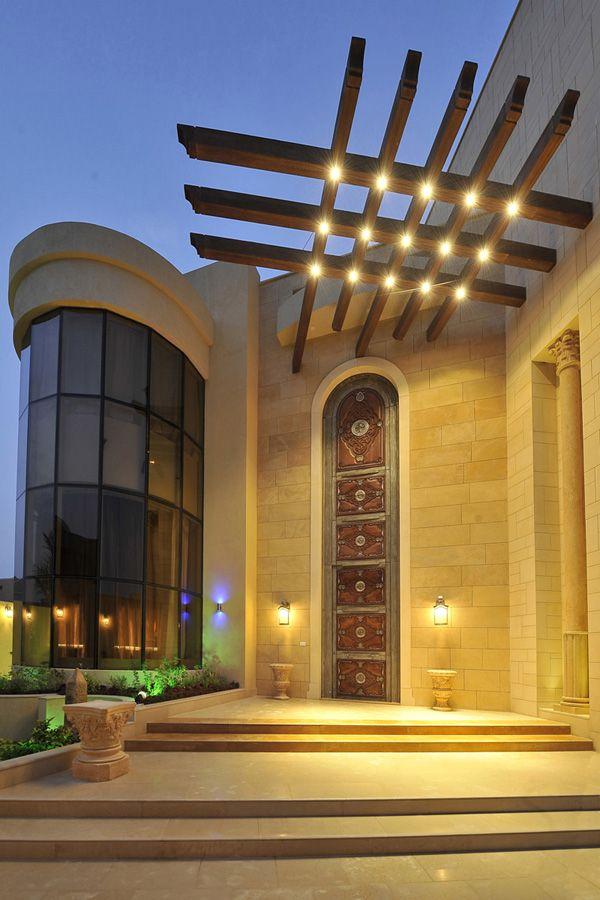 منزل الفنانة أحلام في الإمارات قصر غني بالديكورات الف Porch Design Front Porch Design House Architecture Design