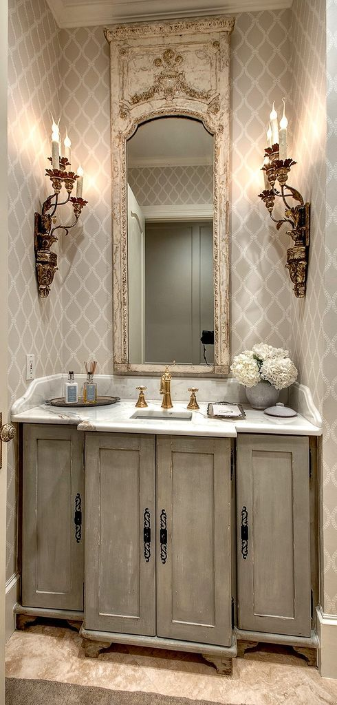 Adorable 94 Awesome Vintage Bathroom Ideas https://homearchite.com/2017/06/01/94-awesome-vintage-bathroom-ideas/