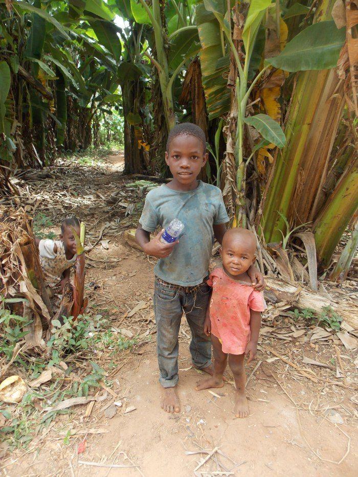 I sorrisi dei bambini sono il ricordo più bello che abbiamo di #Zanzibar. Leggi l'articolo completo su sognandocaledonia.com