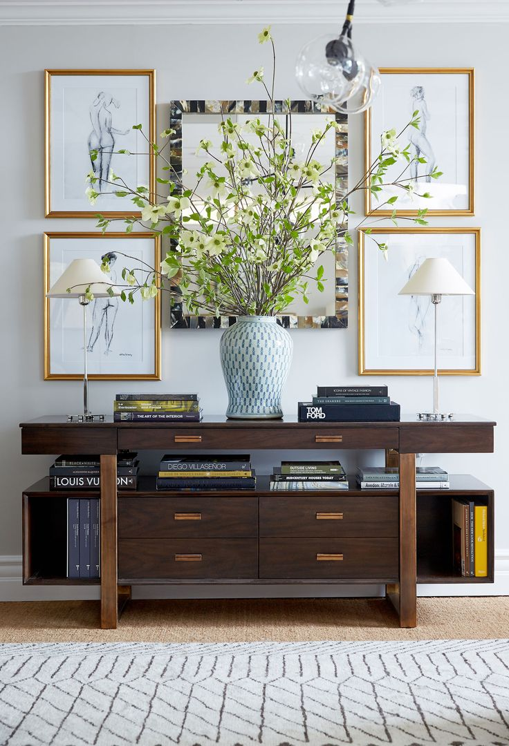 Traditional, but eclectic vignette.