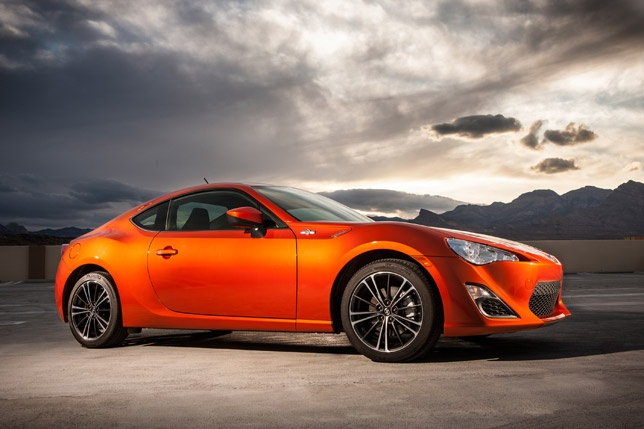2013 SCION FR-S SPORTS CAR