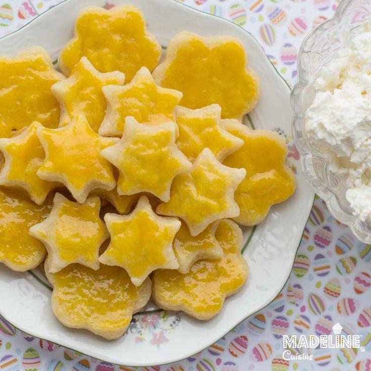 Biscuiti fragezi cu branza de vaci / Cottage cheese crackers - Madeline's Cuisine