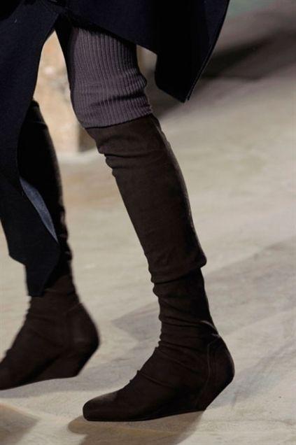 Stivali, stivaletti, sandali, décolleté: tutte le scarpe viste in passerella