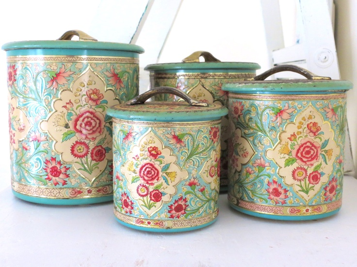 Vintage Holland Tin Canisters (4)