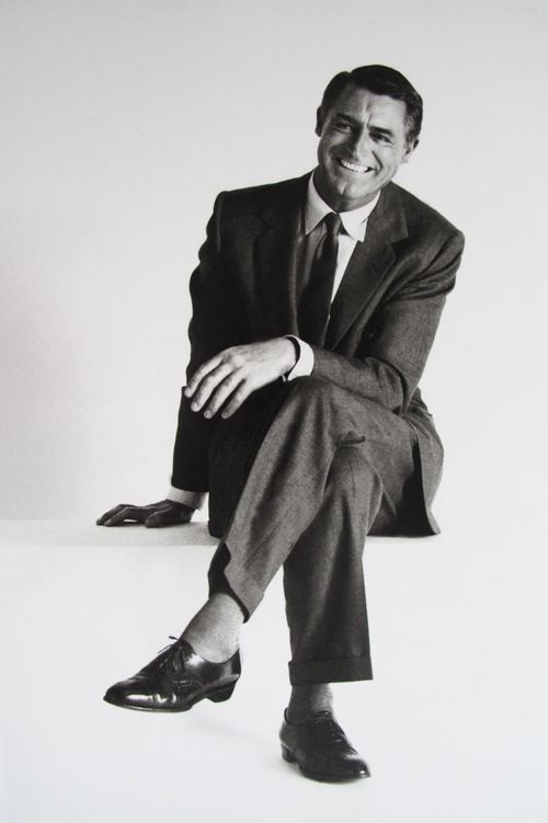 Thinks there is no leading actor like Cary Grant. All his films are classic.