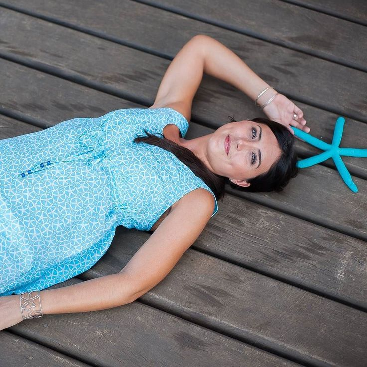 Good morning Thursday... Only 3 more sleeps until Christmas!! #throwback to lazy summer days in our super soft Ce La Vie dress  #islandsmiles #sarongbabes #summer #starfish