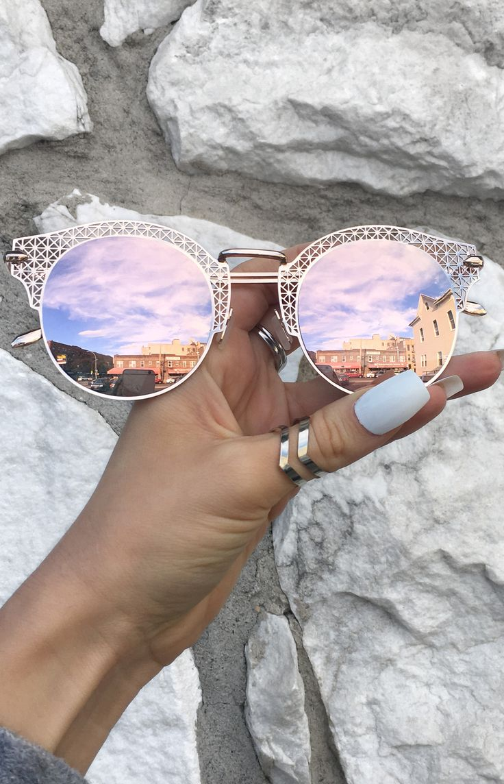 Angel Sunnies - Rose Gold These women Topfoxx Sunglasses are reflective mirrored eyewear in pink. These are great for small face shapes with a vintage, lace, vibe. Cute on teens and adults!