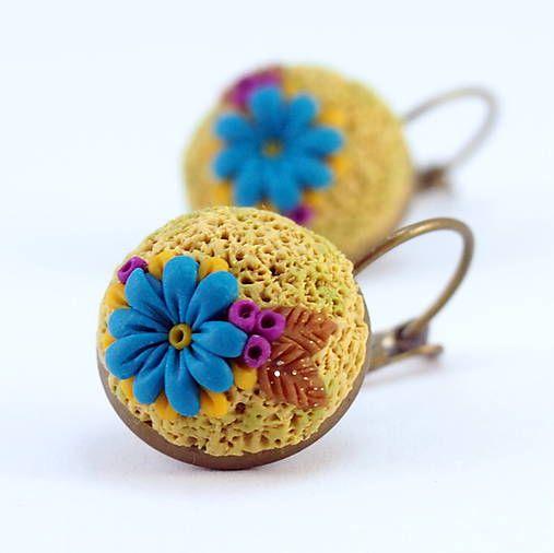 wandalkabeads / Polymérové náušnice, kvet na machu