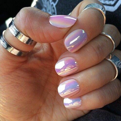 Hollographic nails