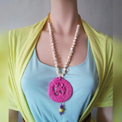 Collar Bluma de jade con howlite, cristal, ágatas y cerámica   www.facebook.com\bycosmicgirl
